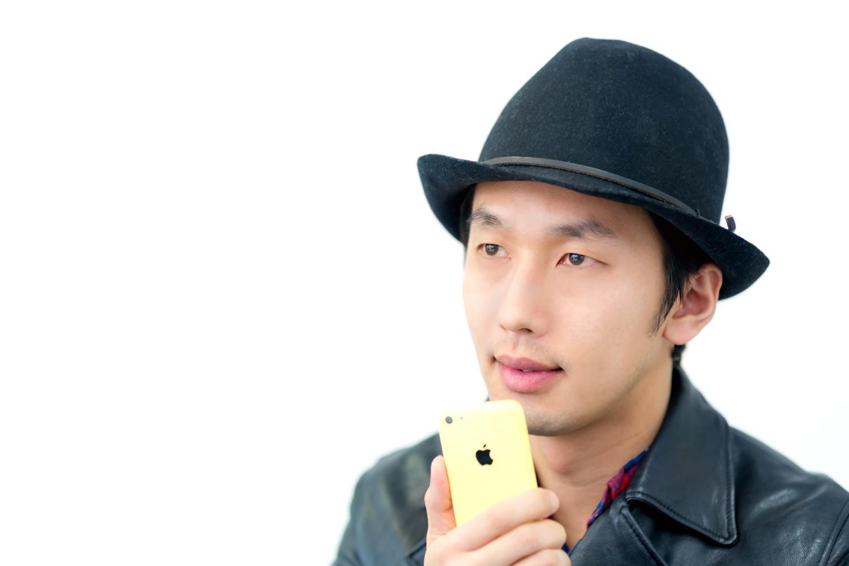 iPhone-話す男性